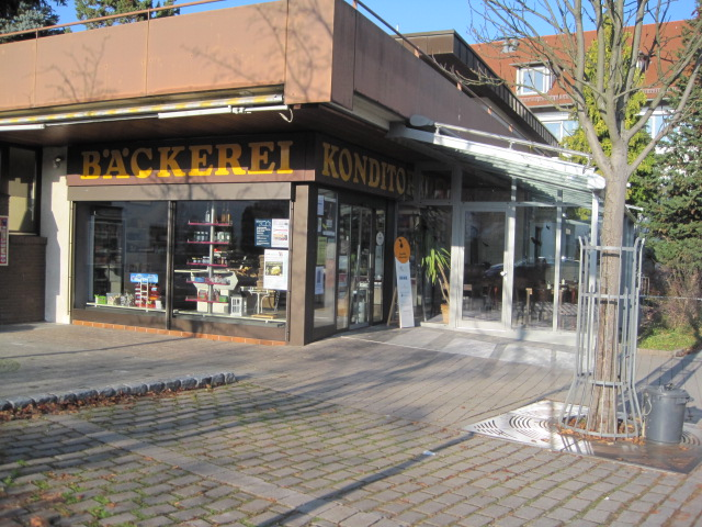 2006:Anbau eines Wintergartens im Hauptgeschäft in Schanbach und Eröffnung des Cafés